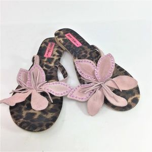 Betsy Johnson Flower Thong Sandals 8.5M
